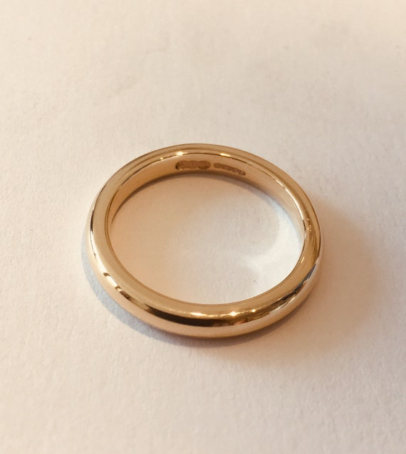 | PLAIN 5.2g Court Shape Light Weight Domed Mens Handmade Simple Wedding Ring Comfort Fit 5mm 9ct Yellow Gold Band
