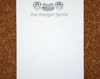 Set of 4 Personalized Notepads with Owls and Nest / Customized with Family Name / Custom Note Pad / Owl Family