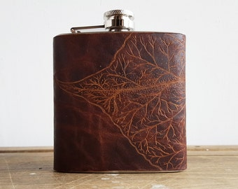 Engraved leather hip flask, Mulberry leaf design, Botany hip flask  personalised birthday gift custom wedding hip flask bridesmaid hip flask