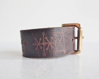 Rune Leather Cuff, icelandic stave magical runes cuff leather wristband Rosahringur minni  viking leather bracelet gift for viking