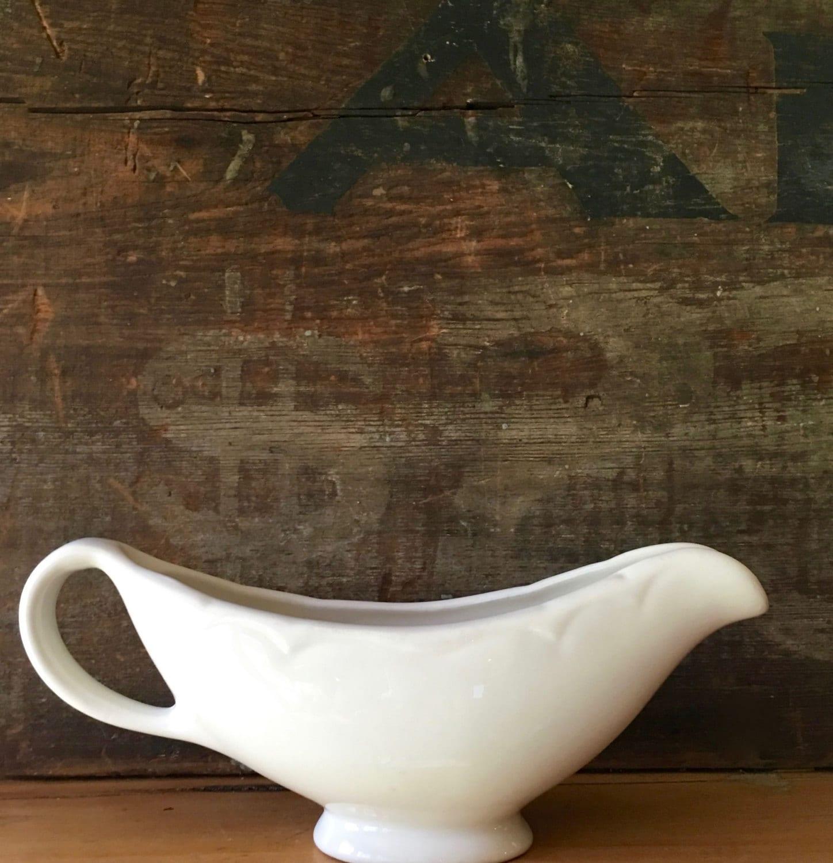 jahrgang wei en so e oder sauce krug homer laughlin ca 1964 etsy. Black Bedroom Furniture Sets. Home Design Ideas