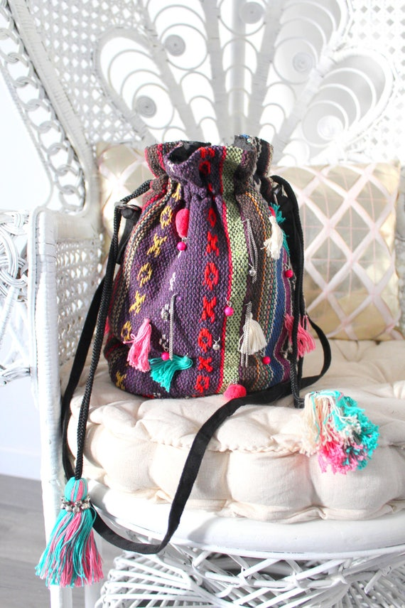 sac bourse hippie chic pompons clochettes et perles etsy. Black Bedroom Furniture Sets. Home Design Ideas