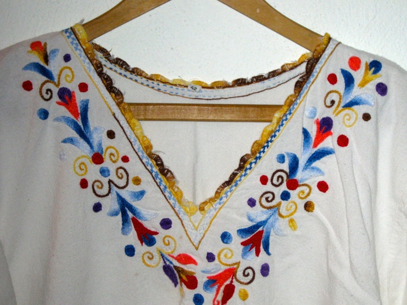Vintage hand embroidered cotton shirt from Mexico crochet neckline