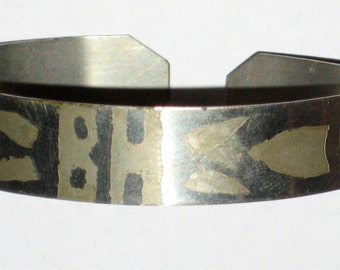 Vintage trench art bracelet WW11 aluminum cuff jewelry etched