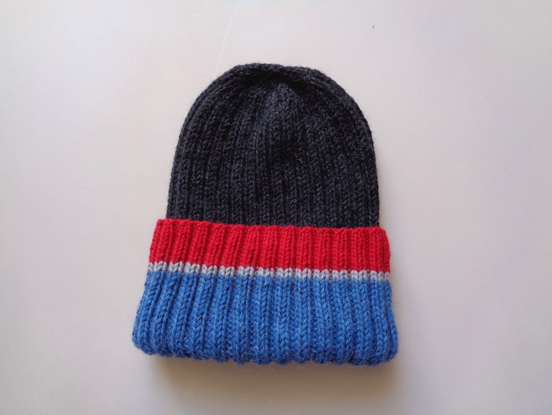 XL Mens Hat Blue Gray Red Stripe Hand Knit 100% Wool image 0