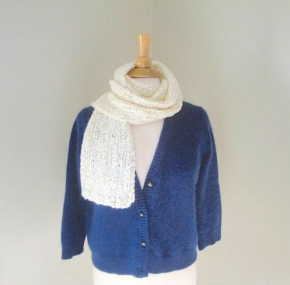 Foulard blanc crémeux Chunky tricot laine bouclé lhiver au   Etsy 78f21f2d1e0