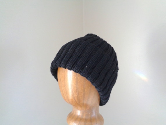 XL Mens Hat Hand Knit 100% Wool BLACK Beanie Hat Watch Cap  aebf6e1cbdc