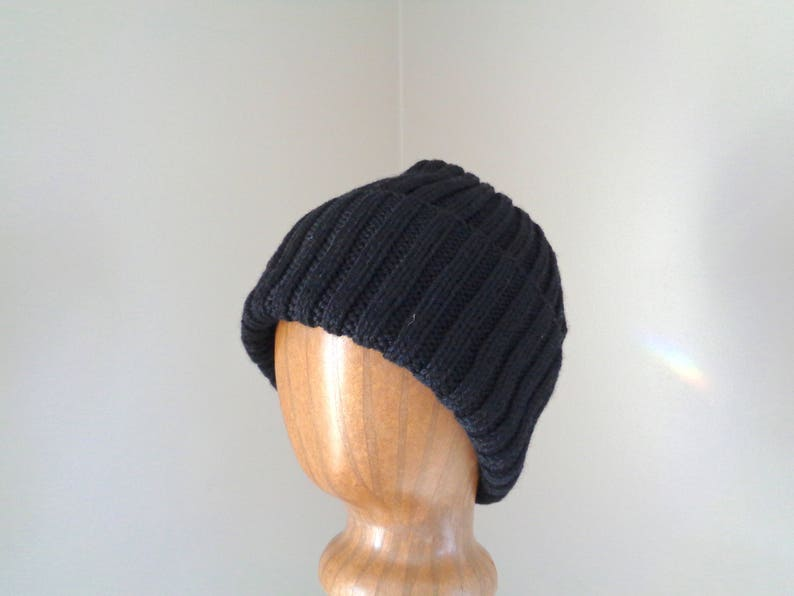 6f6cb9b04c7 XL Mens Hat Hand Knit 100% Wool BLACK Beanie Hat Watch Cap