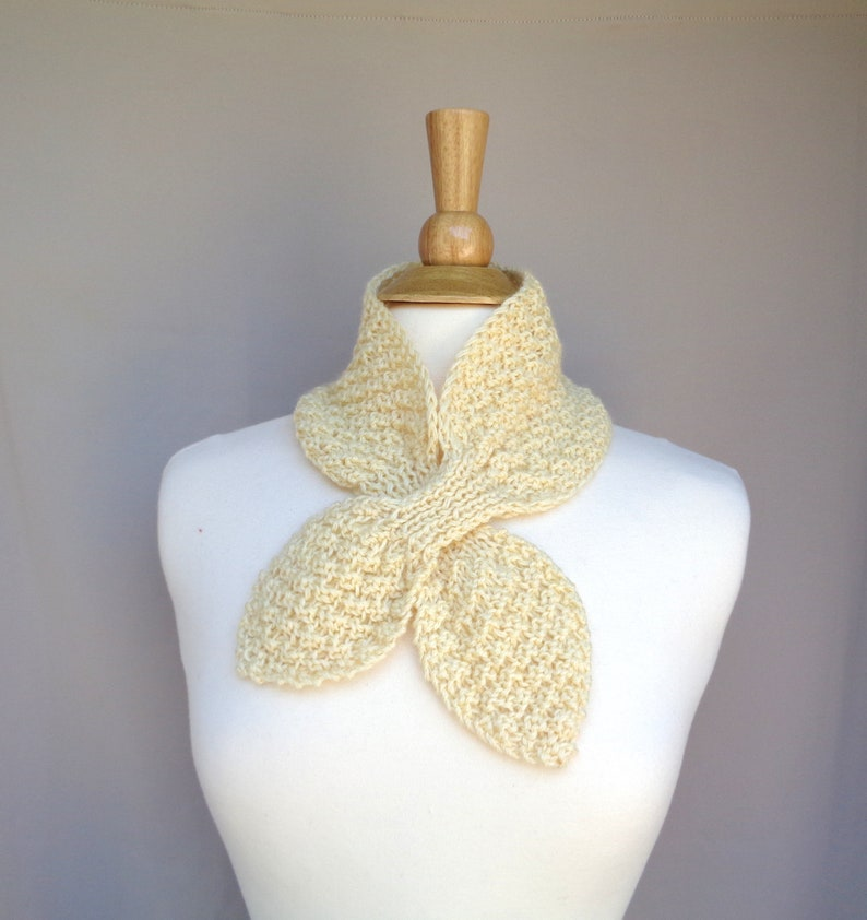 Pale Yellow Ascot Scarf Mohair Wool Blend Hand Knit Pull image 0