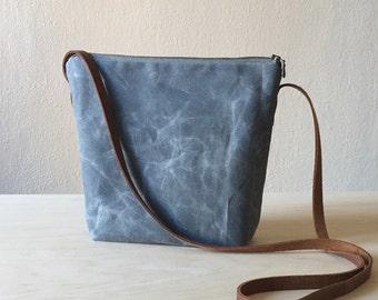 Crossbody Bag in Grey Waxed Canvas