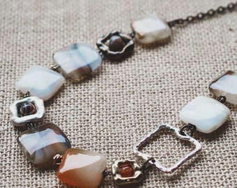 Multi-color agate necklace. Square agate necklace. Brown agate. Orange agate. Boho agate necklace. Collar con ágata. Boho joyas.