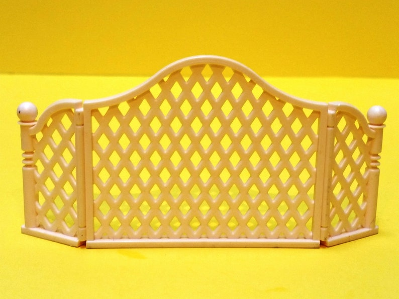 Awesome Vintage Barbie Creamy White Plastic Fireplace Screen Download Free Architecture Designs Lukepmadebymaigaardcom