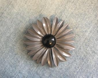 grey and black daisy brooch, vintage flower brooch, Vintage Brooch