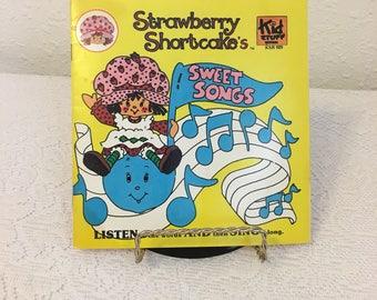 Strawberry Shortcake, Vintage Record and Book, Strawberry Shortcakes's Sweet Songs, Kid Stuff Records, Children's Record