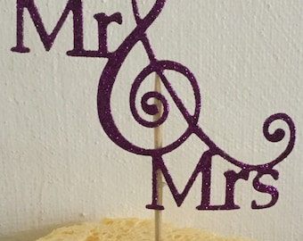 30 Mr& Mrs cupcake toppers party/ wedding