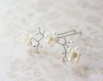 82_Hair pin, Bridal hair pins, Flower accessories, Floral hair pins, Hair accessories, Wedding hair pins, Ivory hair flower, Pins for hair.