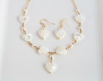 White leaves set SWAROVSKI pearls set Gold jewelry set Leaf set Gift for her Earrings necklace pearls set Jewelry set White pearl set 934.
