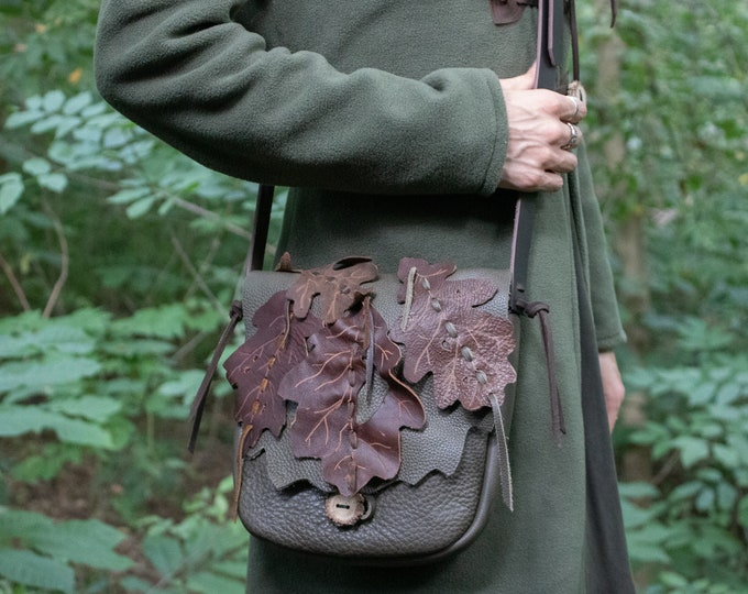 Leather Elven Leaf Bag, Fantasy Style - Woodland Messenger