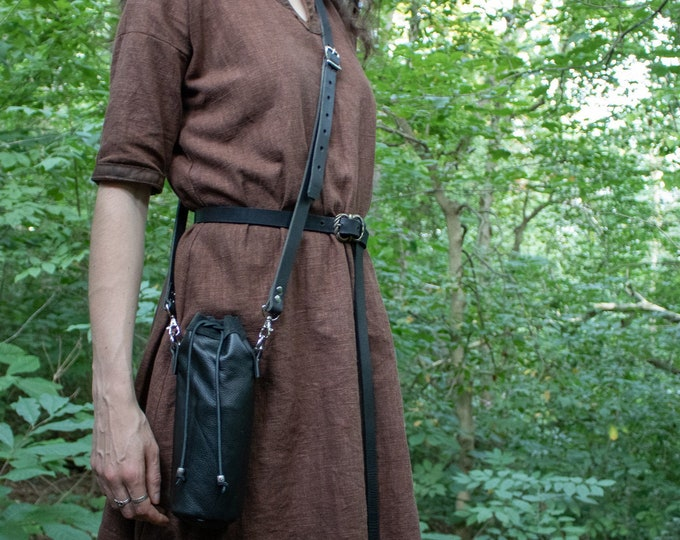 Water Bottle Leather Bag, Interchangable Belt or Cross Body - Hiking, LARP - /F/ (AB)