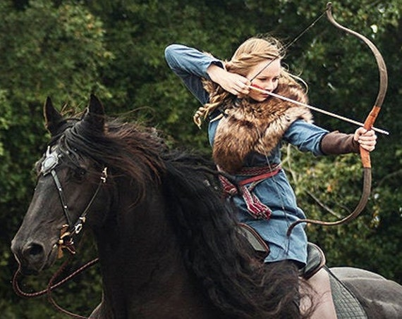 Viking Fur Mantle - Wolf Capelet, Medieval, Warrior, Shieldmaiden - Medium - Faux Fur Choose Color - /P/ (AB)