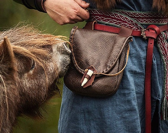 Medieval Leather Pouch, Renaissance Bag, Deer Antler Point Closure, Large - The WOODSMAN - /F/ (AB)