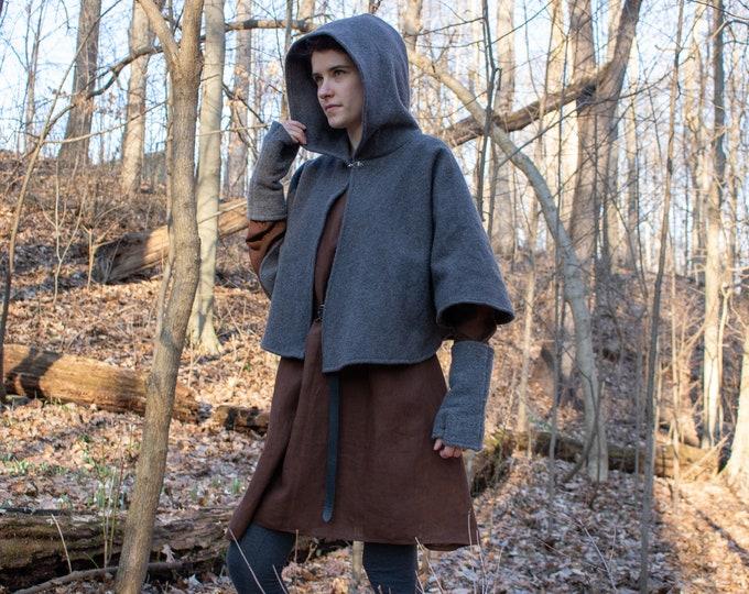Hooded Wool Capelet, Celtic, Renaissance, Medieval /P/ (LB)