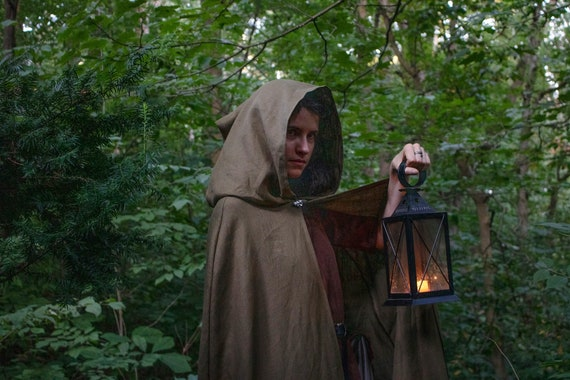 Wood Elf Cloak, Hooded Linen Cape, W/ Silver Oak Leaf Pin - ELVEN APPRENTICE - /P/ (LB)