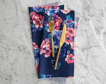 Dinner Napkin, Floral Table Linens, Blue Floral Cloth Napkins, Farmhouse Napkins, Everyday Cloth Napkins, Wedding Napkins, Navy Blue Floral