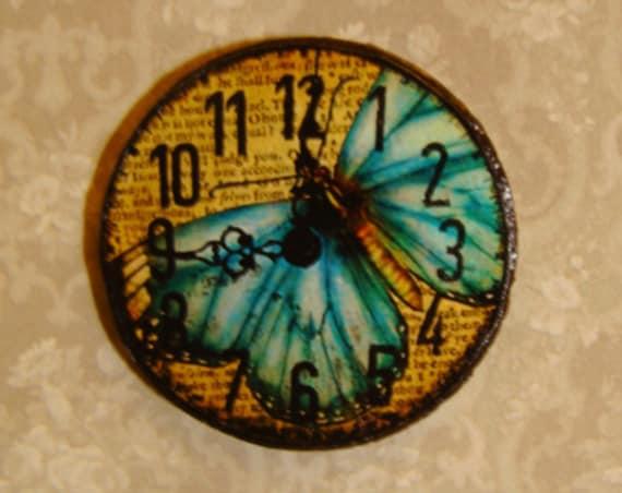 "Dollhouse Miniature Wall Clock ""Tiffany"", Scale One Inch"