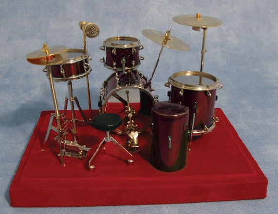 Dollhouse Miniature Deluxe Full Drum Set, Red, 1:12 scale