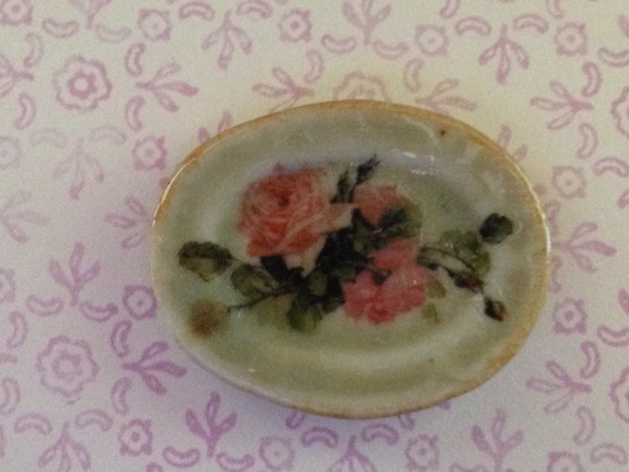 "Dollhouse Miniature ""Cottage Garden""  Earthenware Dish, Scale One Inch"