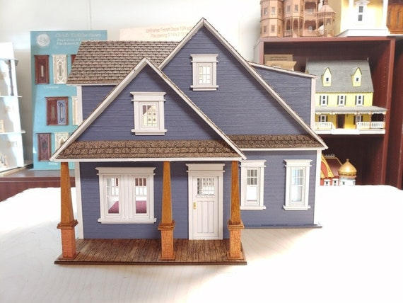 Dollhouse Miniature Craftsman Cottage, Half Inch Scale