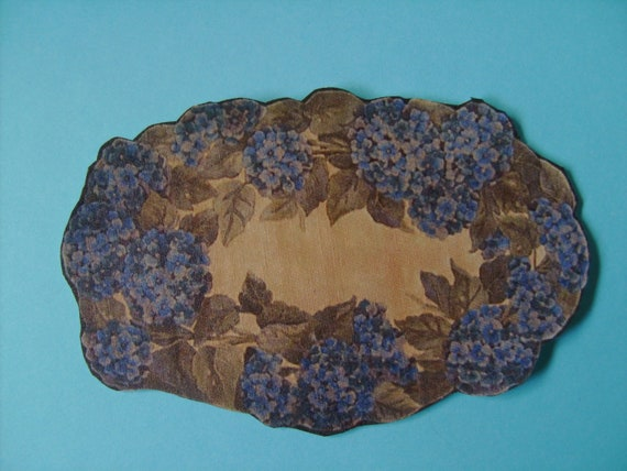 """Dollhouse Miniature Romantic Shabby Chic Blue Hydrangea """"Hooked"""" Rug, Scale One Inch"""