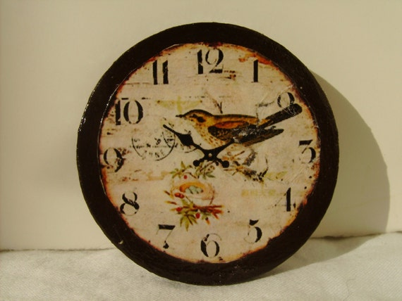 """Dollhouse Miniature Wall Clock, """"Robin's Cousin"""", One Inch Scale"""