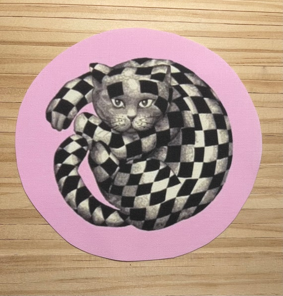 """1:12 Dollhouse Miniature """"The Cheshire, Hi-Fidelity Cat"""" Rug, Pink"""