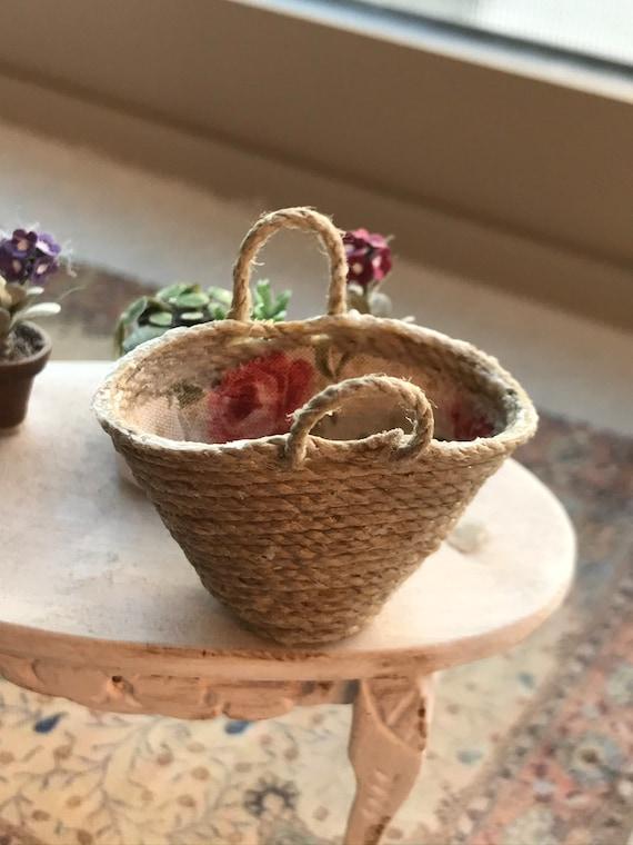 Dollhouse Miniature Hand Made Basket, Scale 1:12