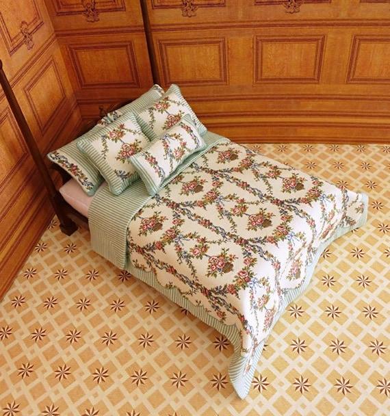 Dollhouse Miniature Double Bedding KIT, Panier de Fleurs, 1:12 scale