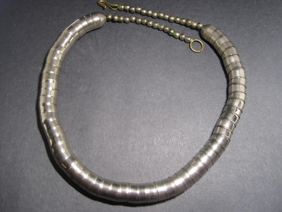 70s Silver Tone Beaded Corrugated Snake Necklace 2