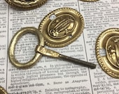 Vintage Brass Cabinet Knob or Drawer Pull -Neat small brass metal door Pulls - antique hardware salvage - brass backplate