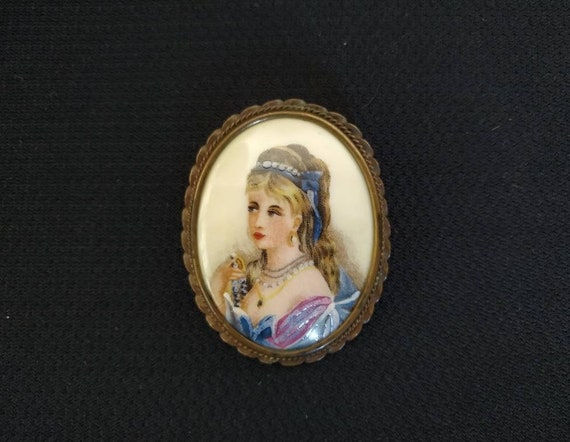 Antique French Limoges Hand Painted Portrait Brooc