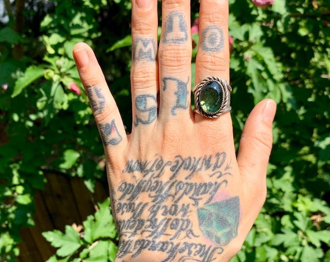 Hidden Sweet Leaf Green Glass Ring, Size 8