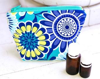 Essential oil bag, Essential oil case, Flowers  holds 6 bottles Mini Essential oil storage