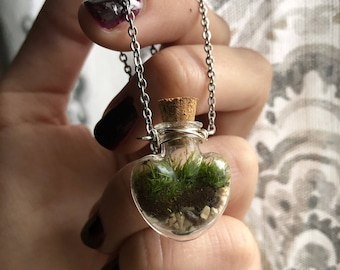 LET LOVE GROW terrarium necklace with live kentucky moss green thrive