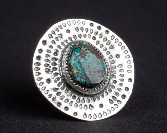 SIZE 7 Emerald Ridge Turquoise Gemstone Ring in Sterling Silver with Dotted Hand Stamped Border // Big bohemian boho Indian Navajo ring