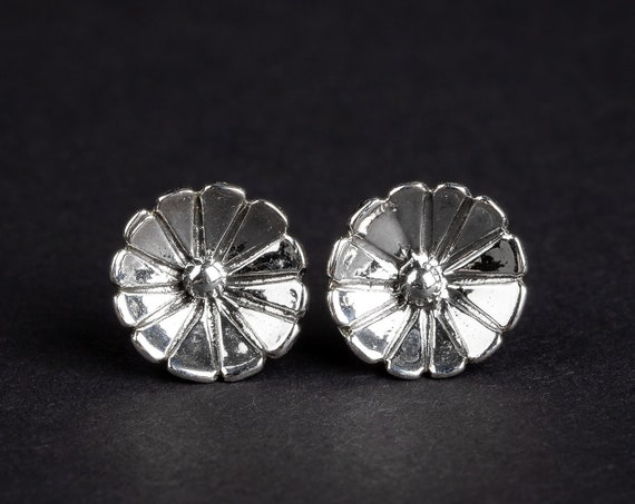 Wildflower Sterling Silver Stud Earrings // Boho bohemian silver floral flower bloom post stud earrings // Nature spring summer jewelry
