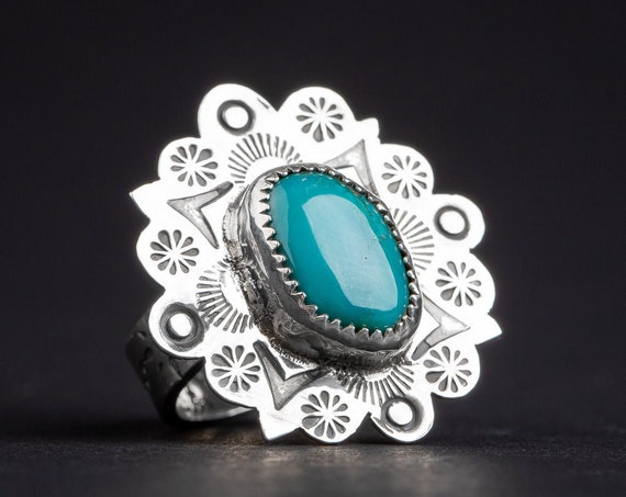 SIZE 6.5 Aqua Blue Nevada Fox Turquoise Gemstone Ring in Sterling Silver with Hand Stamped Flowers // Big teal boho bohemian cocktail ring