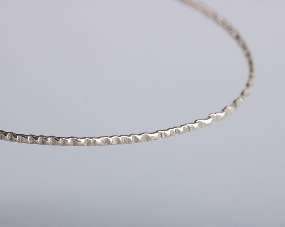 ONE Rugged Textured Sterling Silver Skinny Bangle Bracelet - Hammered Texture Stackable Bangle Bracelet - Skinny bangles