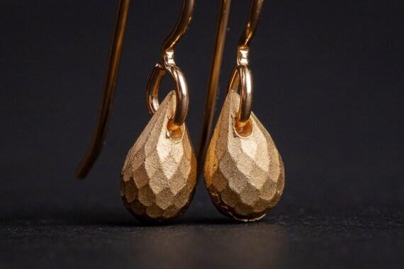 Gold or Silver Faceted teardrop earrings // 14K Yellow Gold Fill or Sterling Silver small faceted teardrop dangle drop minimal earrings