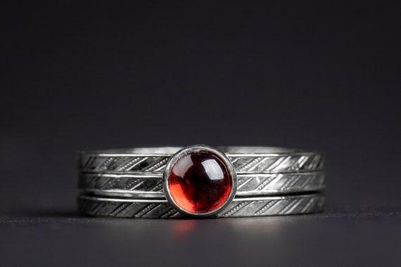 Red Garnet Gemstone Stacking Rings Set of 3 // Silver blood red pinstripe striped gemstone stack stacking stackable rings January birthstone