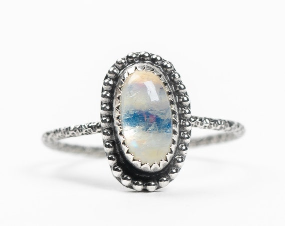 SIZE 7.75 Rainbow Moonstone Gemstone Ring in Sterling Silver // Small beaded oval blue flash iridescent white Moonstone solitaire ring